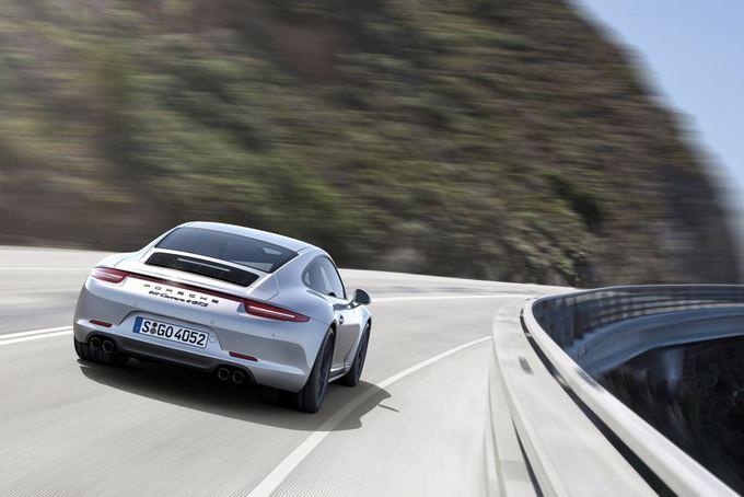 """Gamintojo nuotr./Atnaujintas """"Porsche 911 Carrera GTS"""""""