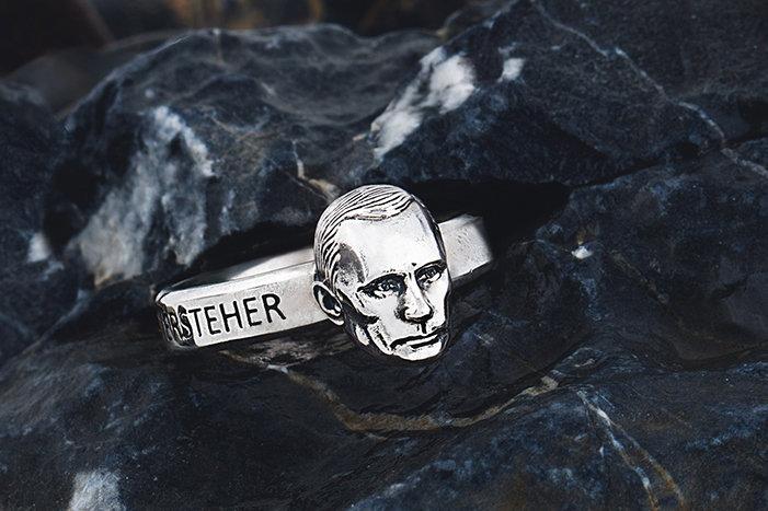 Žiedas su V.Putino galva
