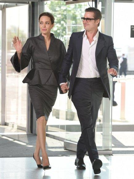 """""""Scanpix""""/XPOSUREPHOTOS.COM nuotr./Angelina Jolie ir Bradas Pittas"""