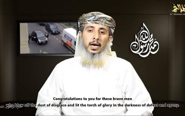 """Jemeno """"al Qaeda"""" prisiėmė atsakomybę prieš Prancūzijos savaitraštį."""
