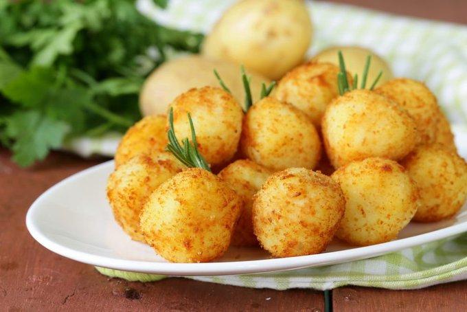 Shutterstock nuotr./Bulvių ir varškės spurgos