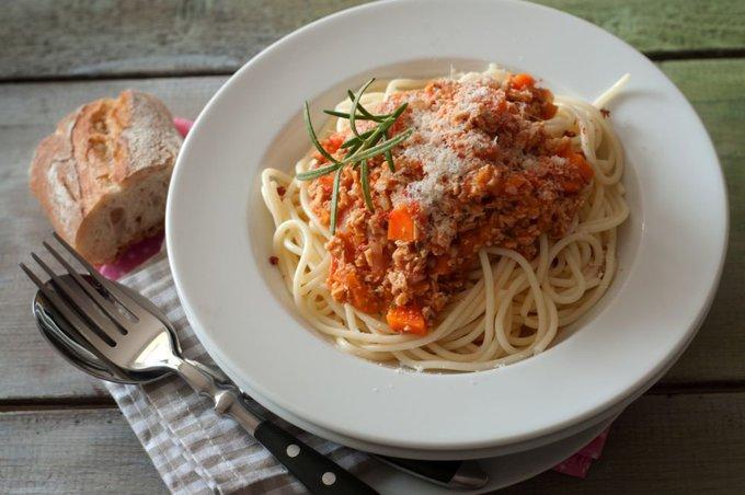 Fotolia nuotr./Spagečiai su džiovintų pomidorų padažu