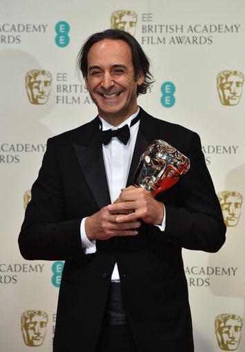"AFP/""Scanpix"" nuotr./Kompozitorius Alexandre Desplat apdovanotas už muziką filmui ""Viešbutis ""Didysis Budapeštas"""