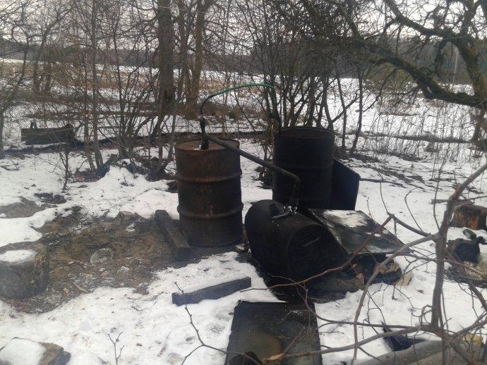 Kauno rajone, namo kieme aptiktas naminės gamybos aparatas