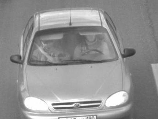 """Lentaru. iliustr/Boriso Nemcovo žudikai spruko automobiliu""""ZAZ Chance"""""""