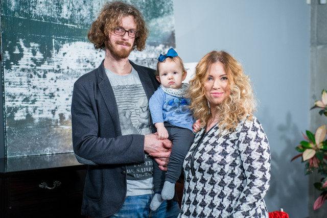 Gintarė Karaliūnaitė-Canuel su šeima