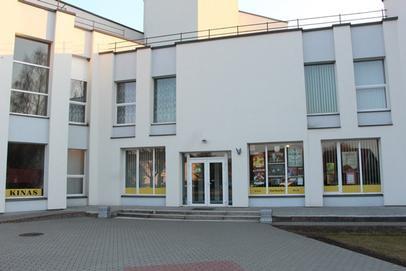 Jurbarko kultūros centre paaugliai nuginklavo vyriškį