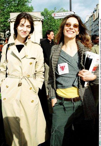 Vida Press nuotr./Charlotte Gainsbourg su motina Jane Birkin