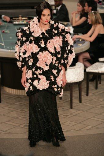 """Vida Press nuotr./""""Chanel"""" 2015 m. haute couture kolekcijos modelis"""
