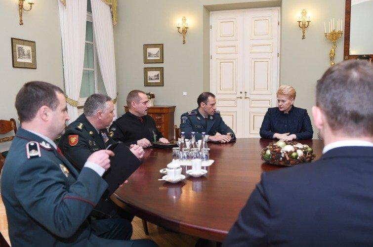 LR Prezidento kanceliarijos nuotraukos/ R. Dačkus/Prezidentė susitinka su viešąjį saugumą užtikrinančių tarnybų vadovais