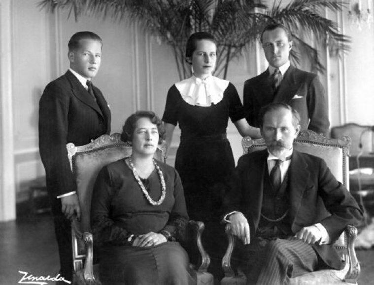 Antanas Smetona su šeima