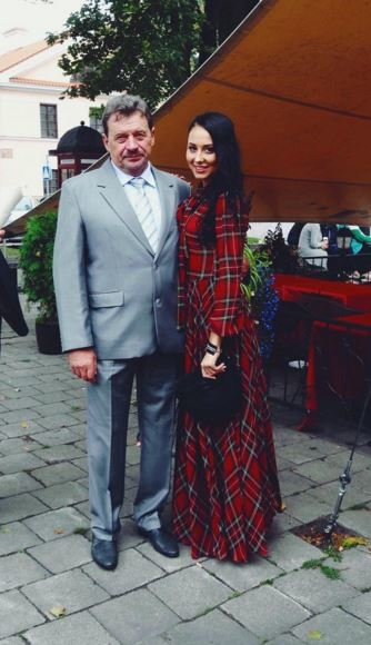 Gabrielė Grygolaitytė-Vasha su seneliu