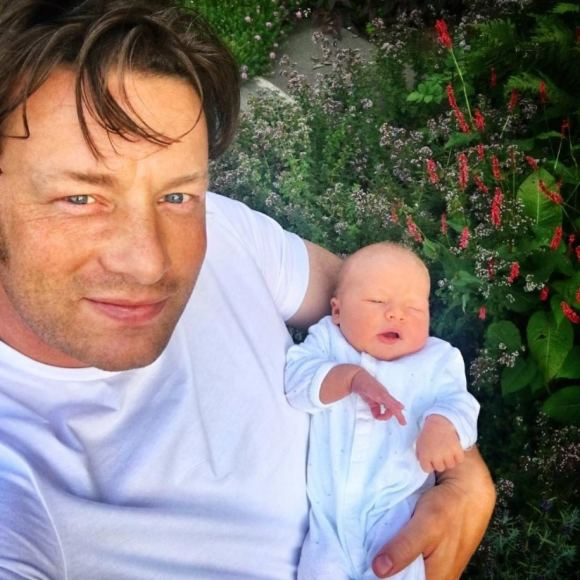 """Instagram"" nuotr./Jamie Oliveris su sūnumi"