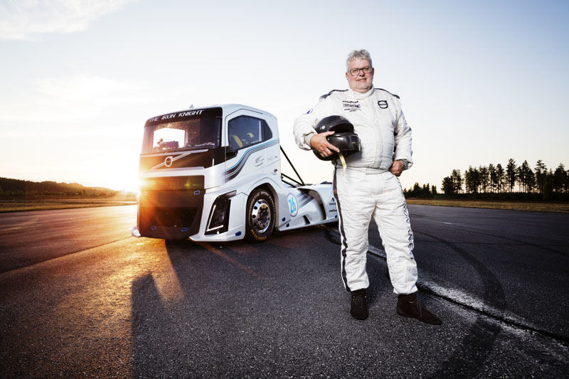"""""""Volvo trucks"""" nuotr./""""Volvo"""" sunkvežimis """"The Iron Knight"""""""