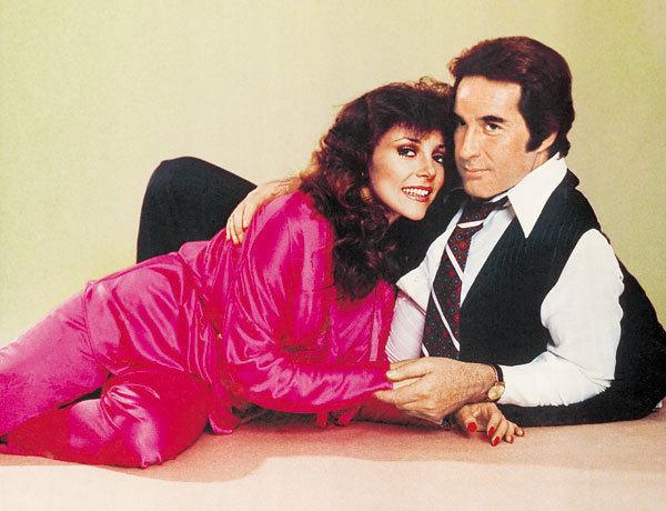 """""""Ir turtuoliai verkia"""" aktoriai Rogelio Guerra ir Veronica Castro (1979 m.)"""