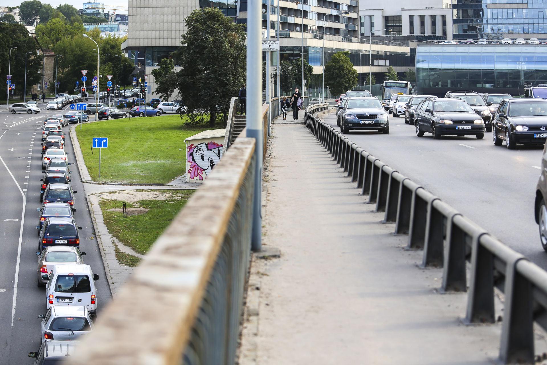"""Panevėžyje tęsiasi vairuotojų """"konfliktai"""" gatvėse"""