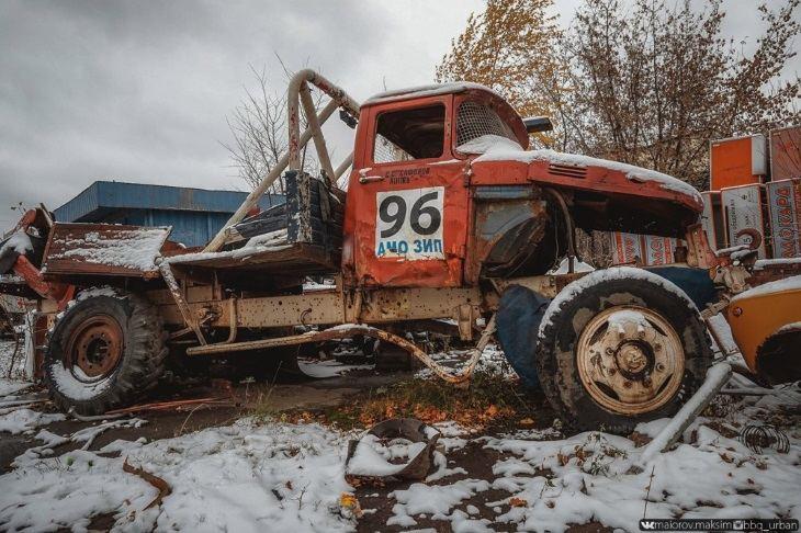 Griūvanti ZIL automobilių gamykla netoli Maskvos