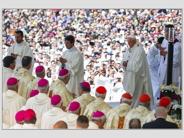 """""""Scanpix""""/AP nuotr./Popiežius paskelbė šventaisiais Dievo Motinos apreiškimą Fatimoje mačiusius vaikus"""
