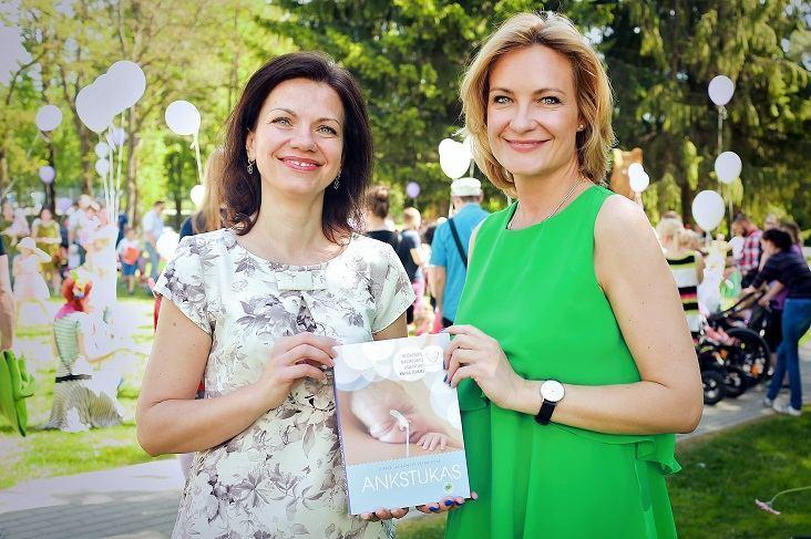 Leidėjų nuotr. / Sveikatos apsaugos viceministrė Aušra Bilotienė-Motiejūnienė (kairėje) ir Asta Speičytė-Radzevičienė
