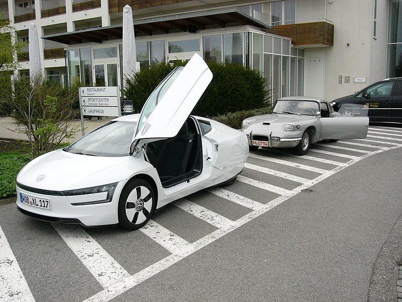 """""""Panhard CD"""" ir """"Volkswagen XL1"""""""