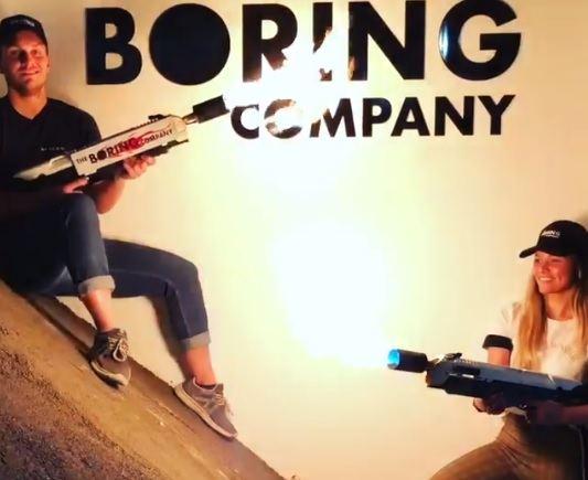 """""""Boring Company"""" ugniasvaidžiai"""