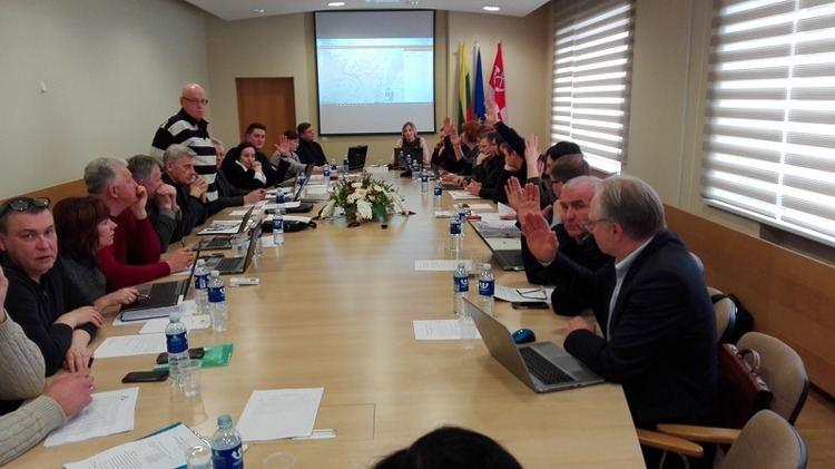 Pirmadienį jungtinis tarybos komitetų posėdis vyko be keturių tarybos narių