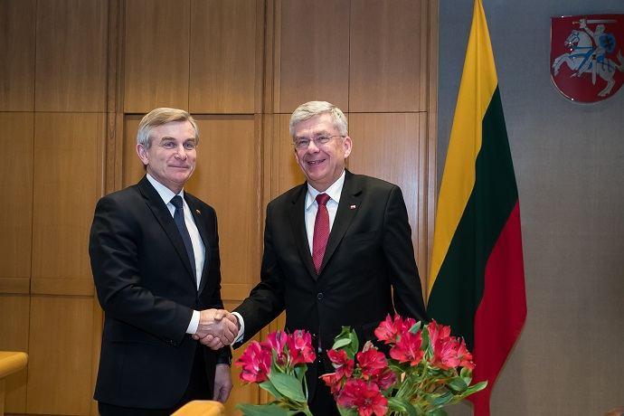 Viktoras Pranckietis su Lenkijos Senato pirmininku Stanislawu Karczewskiu