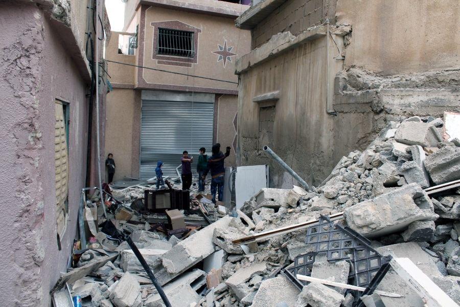 Per naktinį reidą Izraelio kareiviai susprogdino gyvenamąjį namą, kuriame gyveno pasipriešinimu okupacijai įtariamas asmuo ir visa jo šeima su giminėmis. Kolektyvinę bausmę draudžia tarptautinės teisės normos