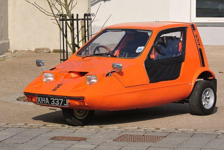 Beveik visi Bond Bug automobiliai buvo oranžiniai – tik 5 buvo balti. (Nilfanion, Wikimedia(CC BY-SA 4.0)