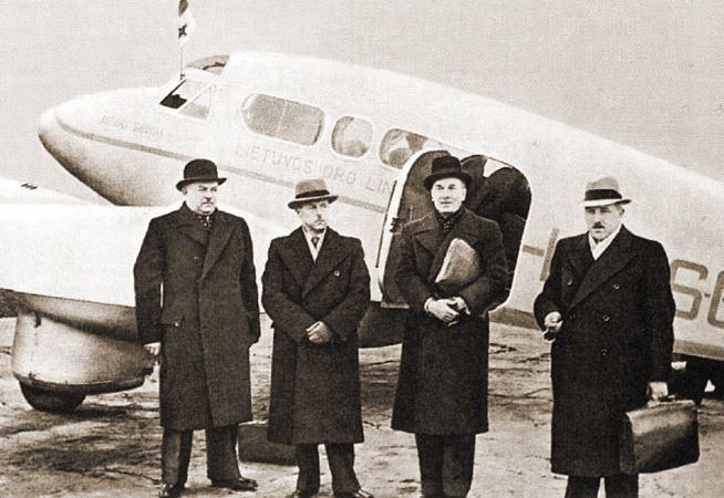 Lietuvos delegacija į Maskvą 1939 m. (Jonas Norkaitis, Stasys Raštikis, Juozas Urbšys, Kazys Bizauskas)