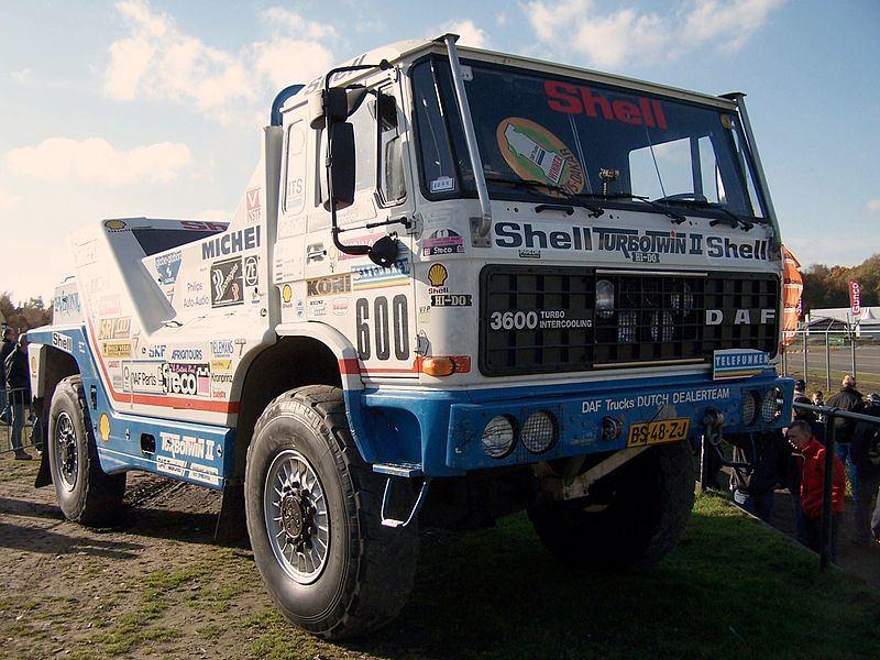 DAF Turbotwin II – šis dviejų variklių monstras dalyvavo 1988-ųjų Paryžiaus-Dakaro ralyje.