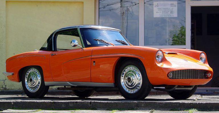 FSO Syrena Sport – tikriausiai gražiausias visų laikų lenkiškas automobilis. (Jakub Hałun, Wikimedia(CC BY-SA 4.0)