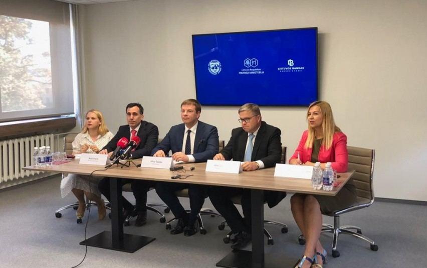 Tarptautinio valiutos fondo (TVF) misijos atstovai antradienį pristatė savo rekomendacijas Lietuvai