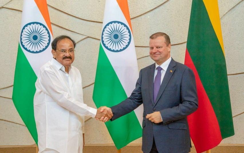Saulius Skvernelis pirmadienį Vilniuje susitiko su Indijos viceprezidentu Venkaiah Naidu