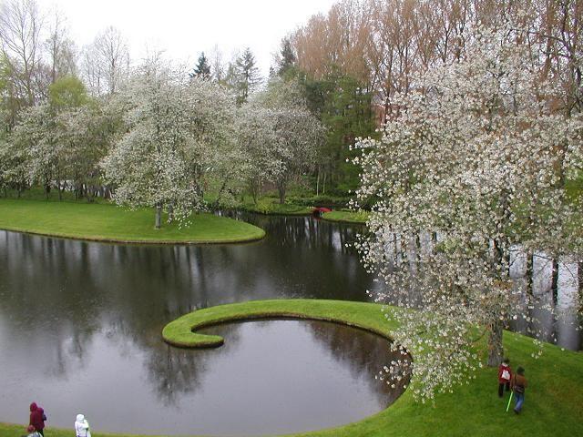"""Kosminių spekuliacijų sodas (""""Garden of Cosmic Speculation"""") Škotijoje"""
