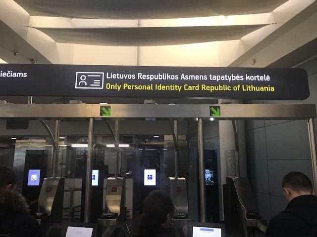 Patikros varteliai Vilniaus oro uoste