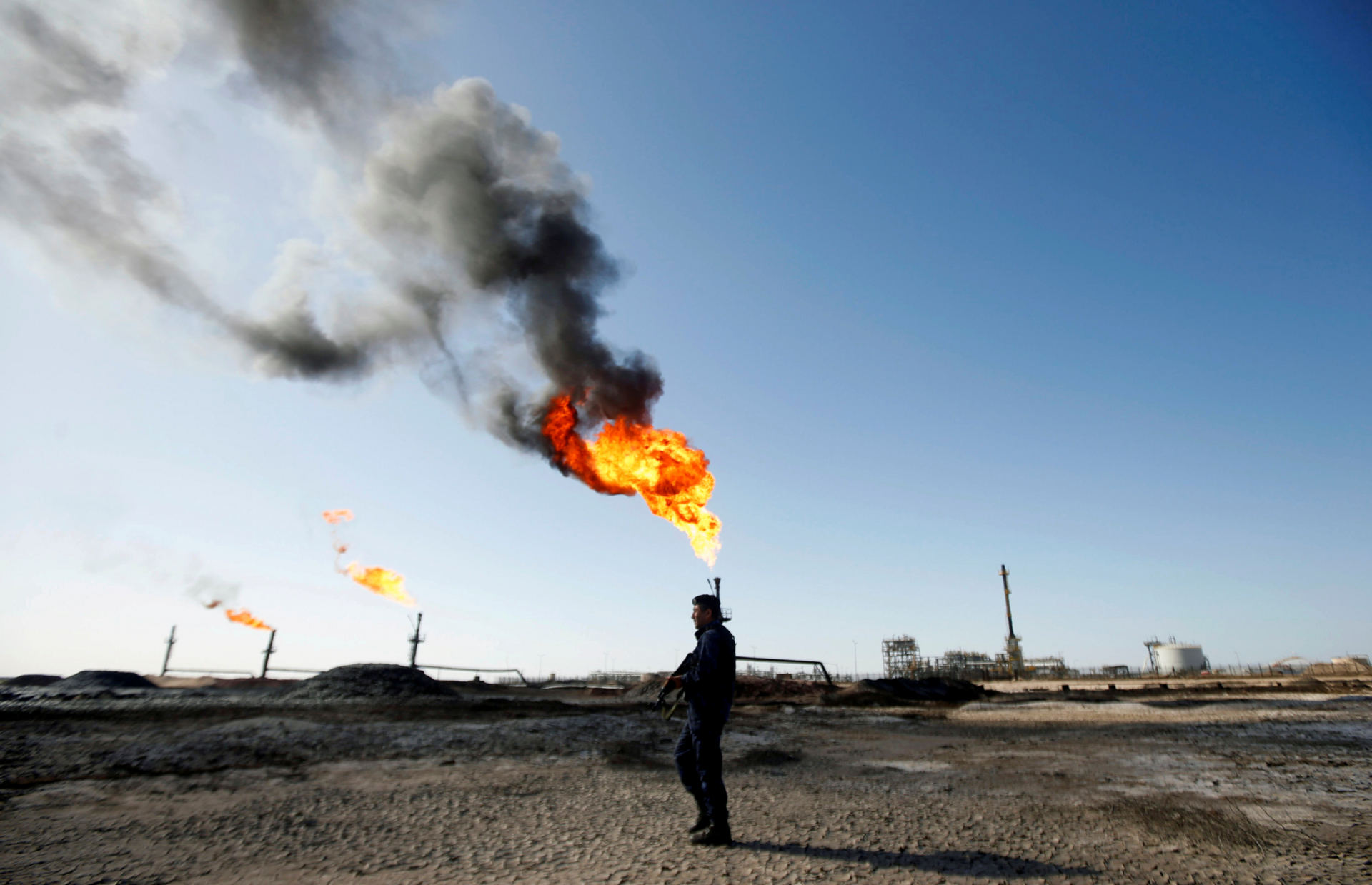 skundai dl prekybos nafta
