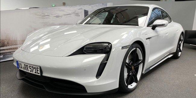 """""""Porsche Taycan 4S"""""""
