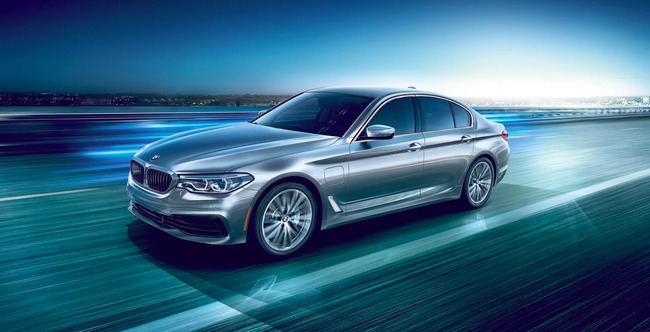 """""""BMW"""" 5-os serijos """"plug-in"""" hibridas"""