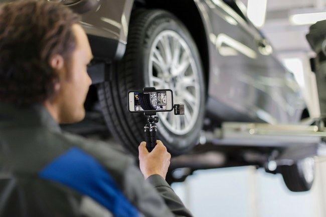 """""""Ford"""" mechanikai vaizdo įrašuose klientams rodys automobilių trūkumus"""