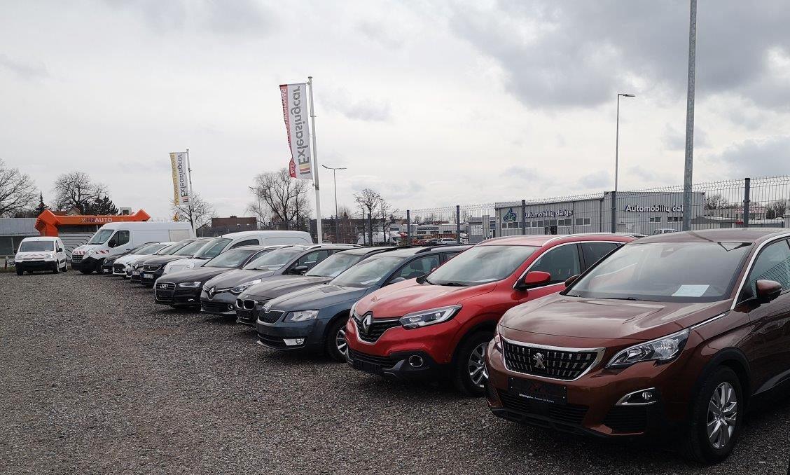 automobilių prekyba pasirinkimo galimybėmis