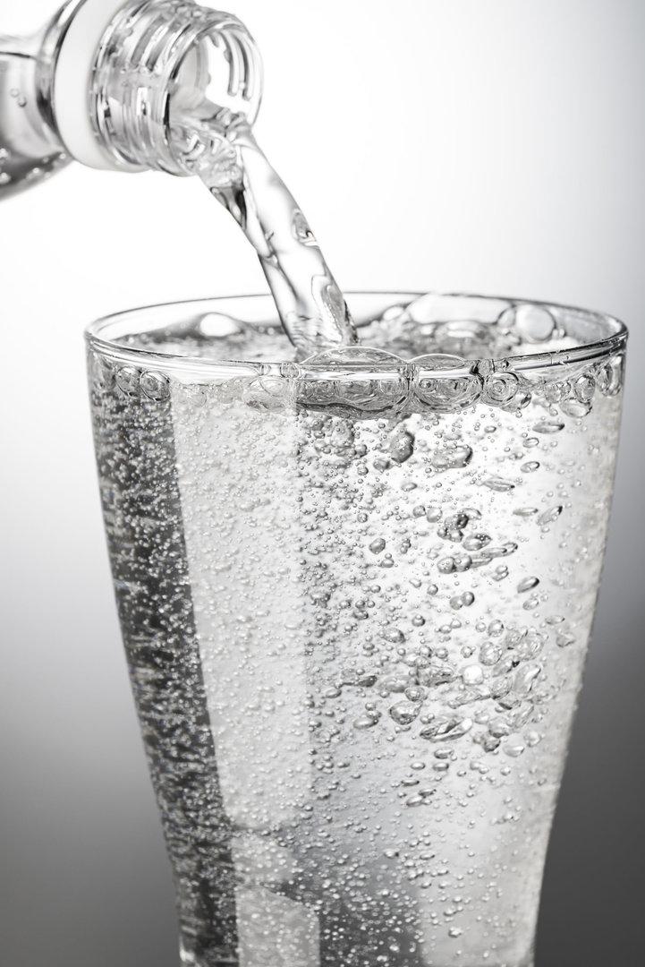 gazuotas vanduo sergant hipertenzija žemos šaknies hipertenzija