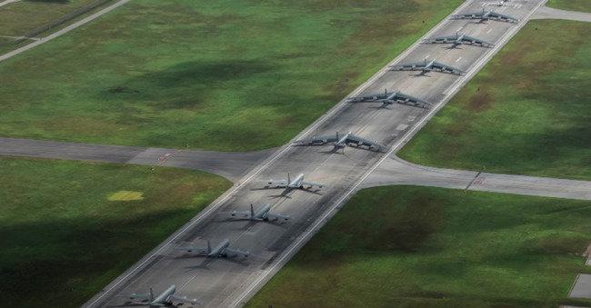 Kinijos oro pajėgos užpuolė JAV karinę bazę: paviešintas simuliacinis vaizdo įrašas