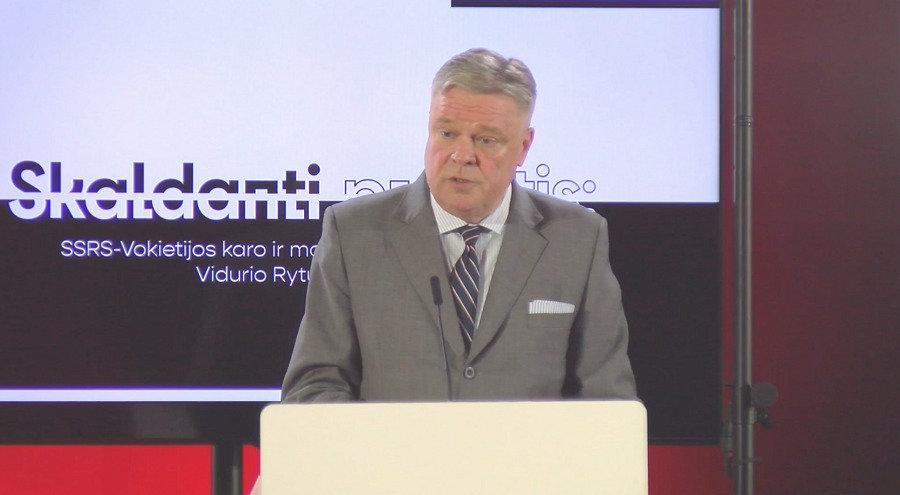H.E. German Ambassador Matthias Sonn delivering the speech