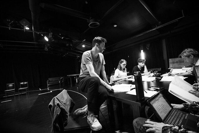 """NKDT rugsėjo mėnesį – pirmoji sezono premjera pagal H.Ibseno pjesę """"Peras Giuntas"""". (režisierius Csaba Polgár)"""