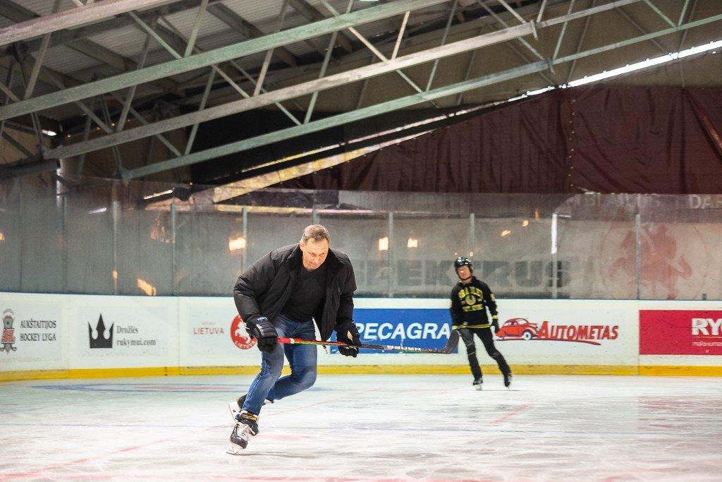 Panevėžyje duris atvėrė ledo arena: norintys pramogauti turės pateikti galimybių pasą