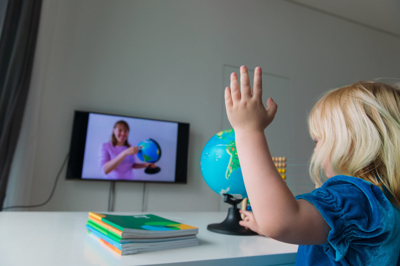 Savivaldybės norą kontroliuoti nuotolines pamokas pedagogai prilygina sovietmečiui
