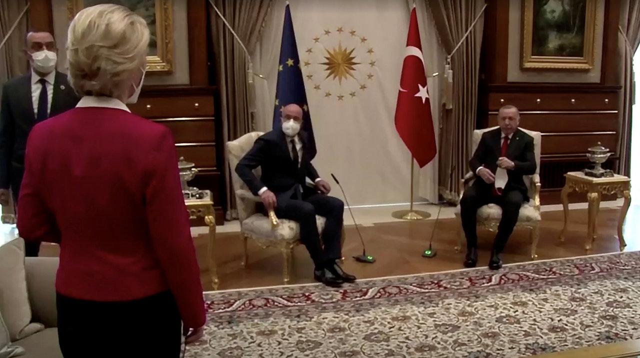 """Turkija ir ES dėl """"sofageito"""" skandalo kaltina viena kitą"""