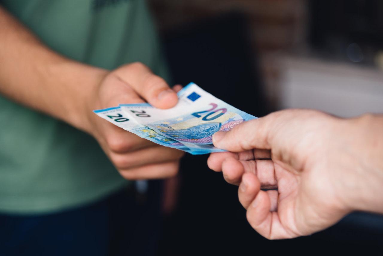 Nepavyksta atgauti skolos? 5 žingsniai, kaip susigrąžinti pinigus