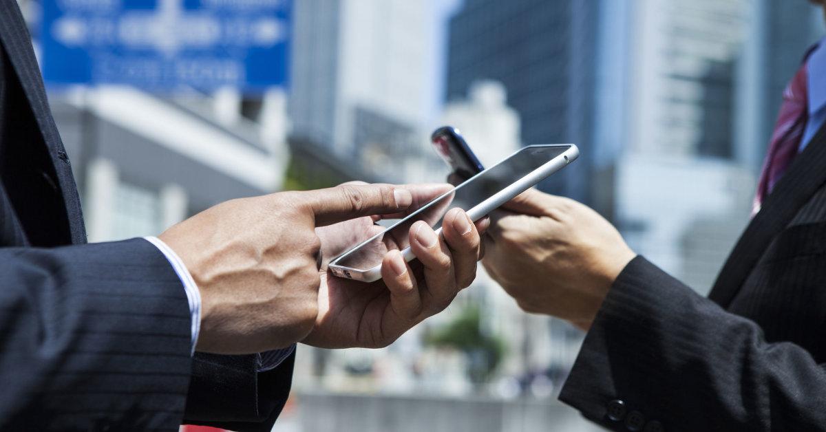 """""""Juoda"""" prekyba technika, telefonais: valstybė neteko per 4,5 mln. eurų – 60 kratų, 151 bylos tomas"""
